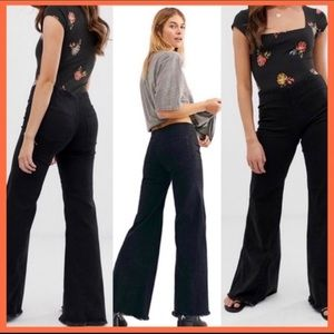 FREE PEOPLE BLACK DRAPEY FLARE A LINE PULL ON JEAN
